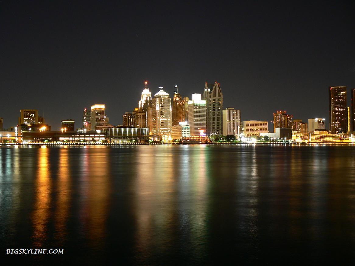 Skyline-Detroit-At-Night